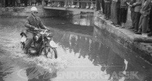Oberpfälzer Zuverlässigkeit in den 1950er Jahren. Wasserdurchfahrt Breitenbrunn