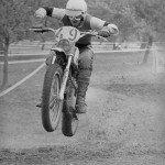 Oberpfälzer Geländefahrt 1973. Peter Hajek auf der Jawa. Schnell unterwegs in der Sonderprüfung Annaberg.