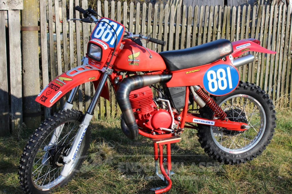 Red Arrow: Honda CR 250