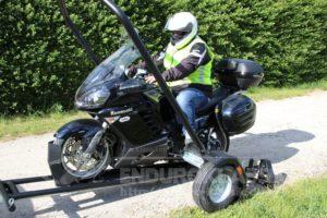 Motorrad-Absenkhänger von Toruniversum